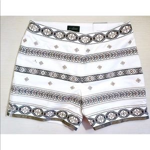 NEW WHBM EMBELLISHED/ EMBROIDERED SHORTS 00P
